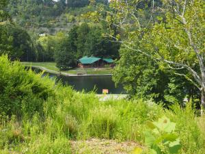 coonskin-park-lake