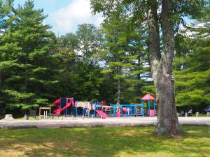 coonskin-park-playground