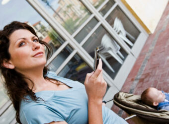 Smartphones Outsell Basic Mobiles